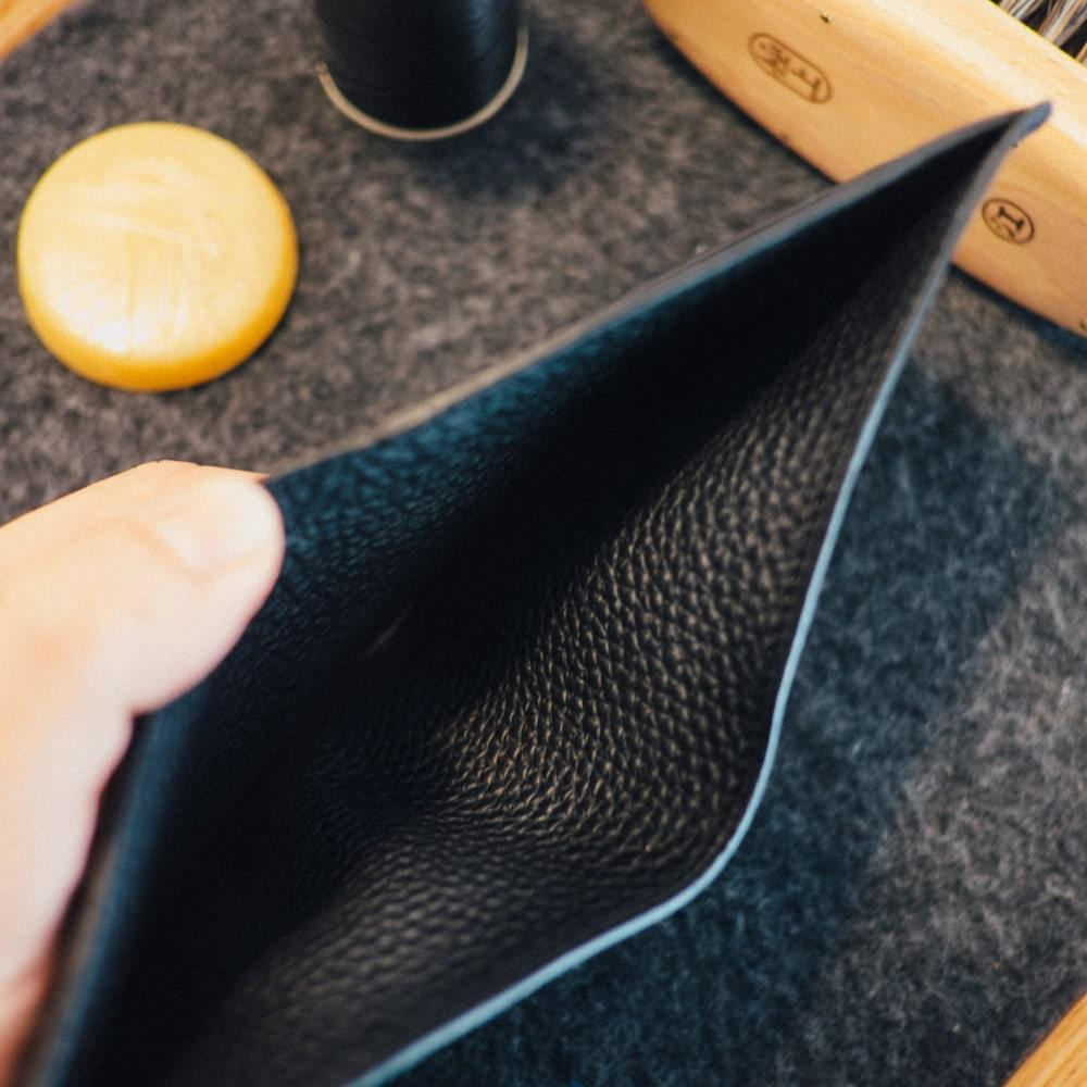How to Identify a High-quality Leather Wallet Best Guide